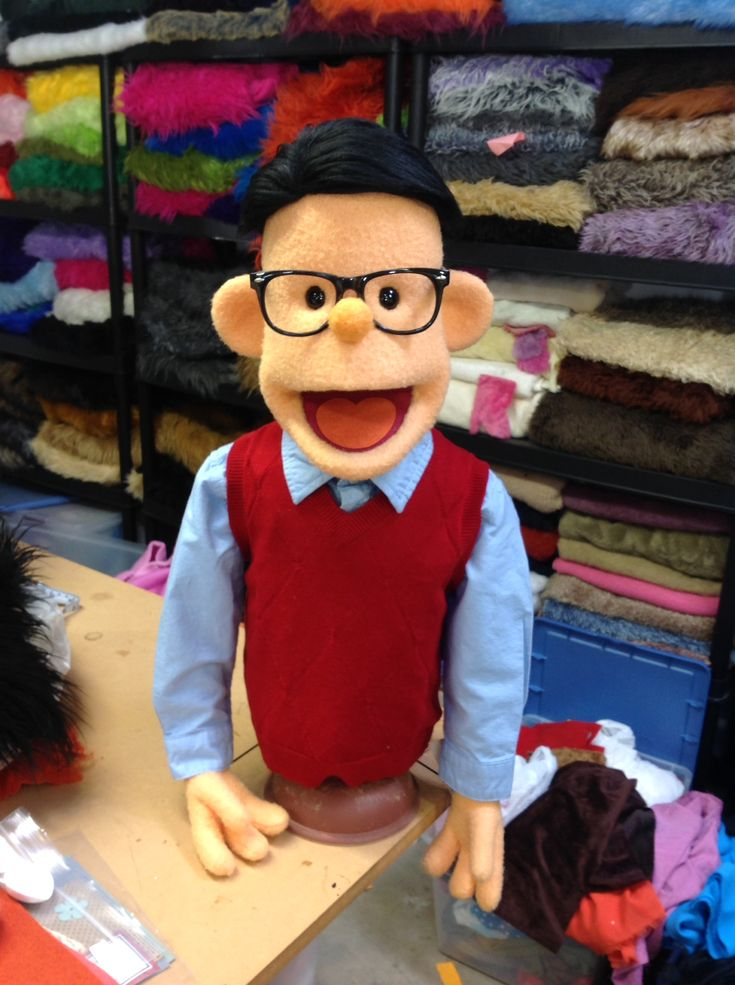 (Clothes/glasses make the character/no instructions) Stanley but Puppet Garage