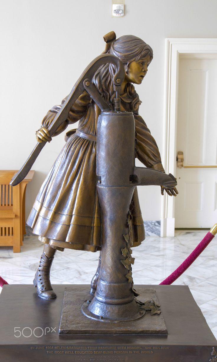 Statue of Helen Keller. - statue of Helen Keller in Montgomery, AL, USA / Хелен Келлер. Монтгомери. США.