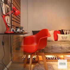 Quarto de menino com mesa de estudo em vidro , madeira clara nos detalhes e vermelho Ferrari nos acessórios ! Boy's bedroom with glass study area , oak details and red Ferrari in some accessories! #dicasfernandamarques #quartodemenino #bedroom #kidsbedroom #bed#cama#quarto#vermelho#ferrari#decor #design #decoracao #decoraçãoétododia #decoraçãoétododia #instabest #interiordesign #interiors #fernandamarques #fernandamarquesarquiteta