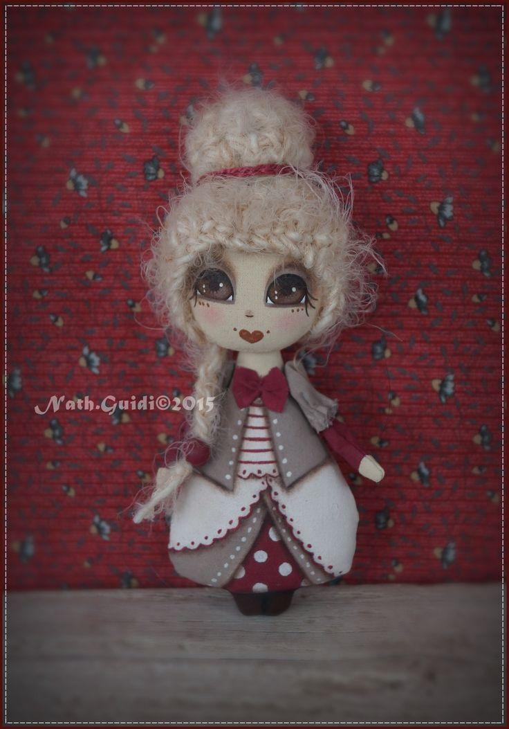 mini doll porte bonheur en toile peinte la main nuance. Black Bedroom Furniture Sets. Home Design Ideas