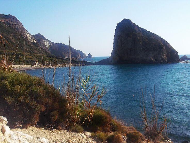 Isola di Palmarola - vista dall'estremità nord di Cala del porto | da Lorenzo Sturiale