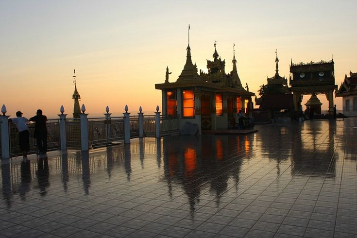 Evening at Kyaikthanlan Paya in Mawlamyine | Exotic Mawlamyine and Understanding the Death Railway | The World on my Necklace