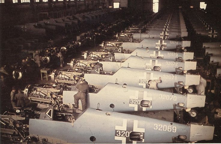 Messerschmitt Bf 109G-6s production at Erla Leipzig in 1943 .