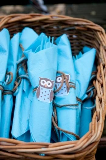 Cool way to serve the plasticware and napkins at a birthday party! Get them in a color to go with the theme of the party. Wrap the the napkin around the plasticware, then tie it with some yarn. Hot glue an owl, princess, star, etc to the yarn to go with the theme of the party!