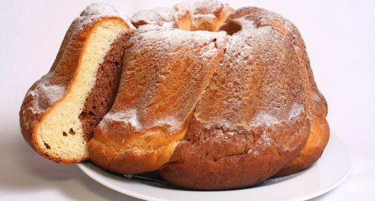 Przepis na babkę kakaową: Babki robi się na Wigilię, na Wielkanoc i na inne okazje. Znane są przeróżne wariacje, wszystkie ozdobne, smaczne i lubiane. Ten przepis jest sprawdzony i bardzo smaczny, polecam!