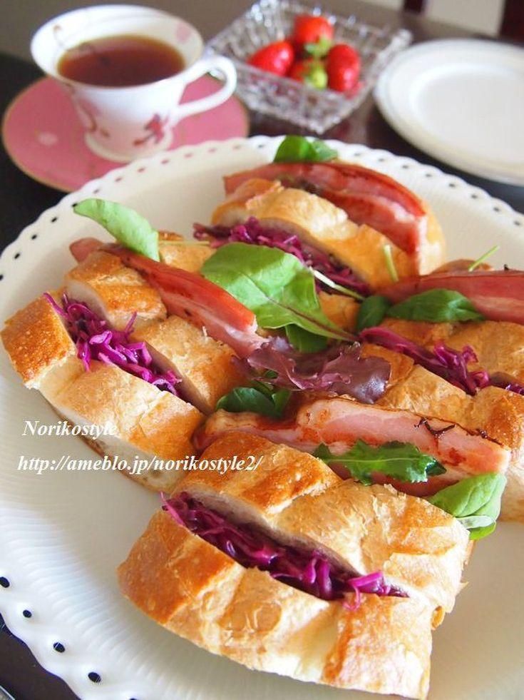 紫キャベツと厚切りベーコンのバゲットサンド by 紀子 | レシピサイト「Nadia | ナディア」プロの料理を無料で検索