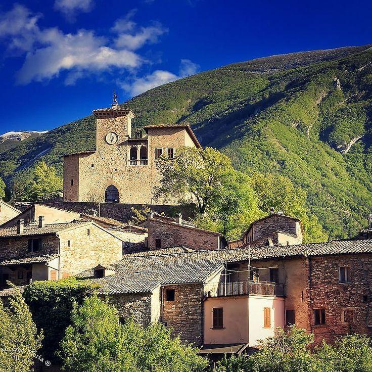 Castello Brancaleoni a Piobbico #volgoitalia #viaggioinitalia #volgomarche #place #castello #ig_pesaro #ig_italy #italian_places #italy #marcheforyou #marche #ig_pesaro_urbino #yallersmarche #yallersitalia #borgoromantico2016 #borghitalia #viaggionellemarche #vivo_italia #ig_pesaro #topitalyofficial by fragarbo65