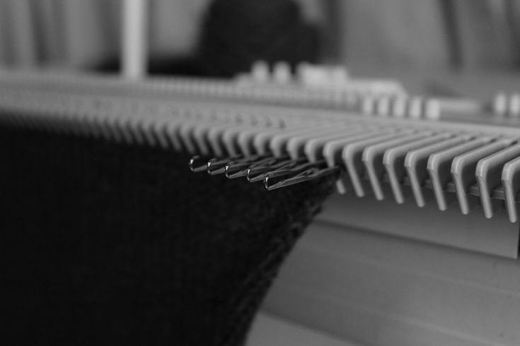 how to make a sweater on a knitting machine