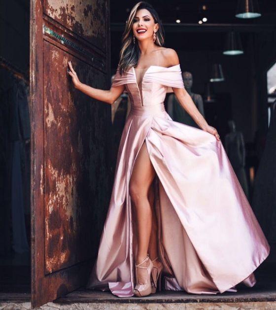 vestido de festa rosa com fenda