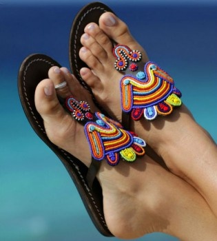 super cute..i could probably make some of these with my boring flipflops