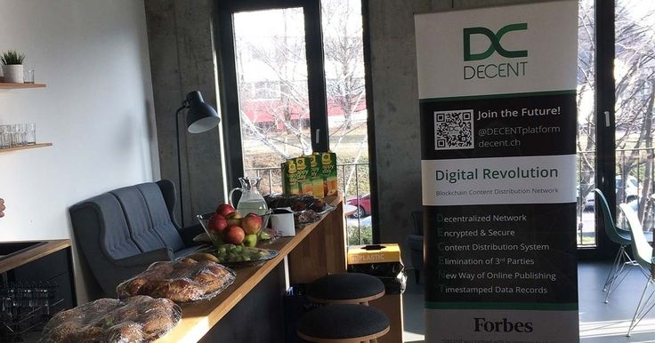 DECENT Gets Breakfast with 0100 Campus