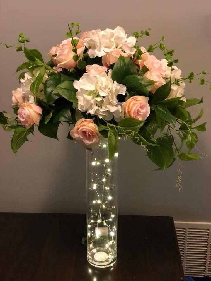 I Like The Lights In Vase Idea Trumpet Vase Centerpiece Square Vase Centerpieces Glass Wedding Centerpieces