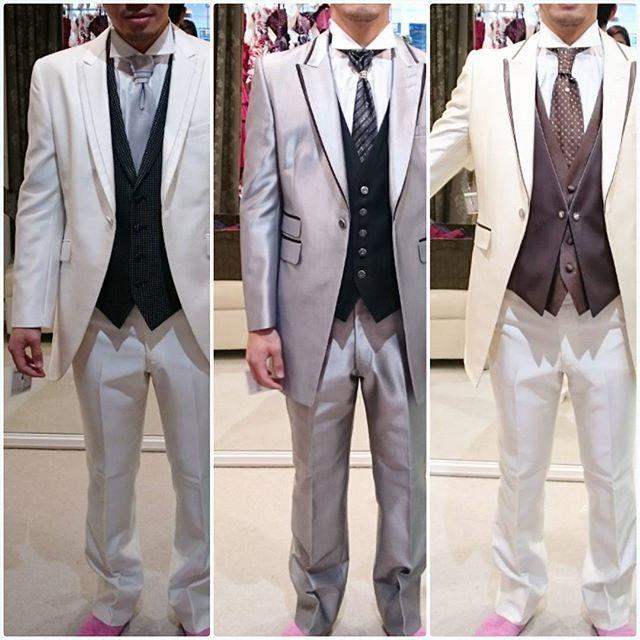 新郎衣装合わせ♬  今まで撮影係だった旦那さん初めての試着✨ 意外とノリノリで4着も着てくれました! 定番の白、シルバー、オフホワイト。 絶対に選ばないと分かってたけど記念に着てもらいました  膨張色で太って見えると笑ってたけど、結婚して5kgくらい太ったみたい!お酒のせいだね!お腹もおしりも足もパンパン  あと2ヶ月ダイエットに励むそうです。笑  #2016swd #2016春婚 #新郎衣装 #タキシード #新郎タキシード #プレ花嫁 #プレ花婿