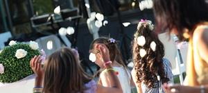 Il mulino a vento si occupa dei tuoi bambini durante cerimonie(matrimoni,battesimi e comunioni) ed inoltre trattiamo eventi come inaugurazioni,feste aziendali,anniversari e back stage sfilate.