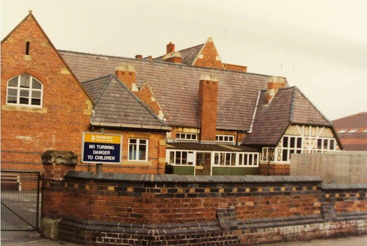 Original Greenfield School building, 1989