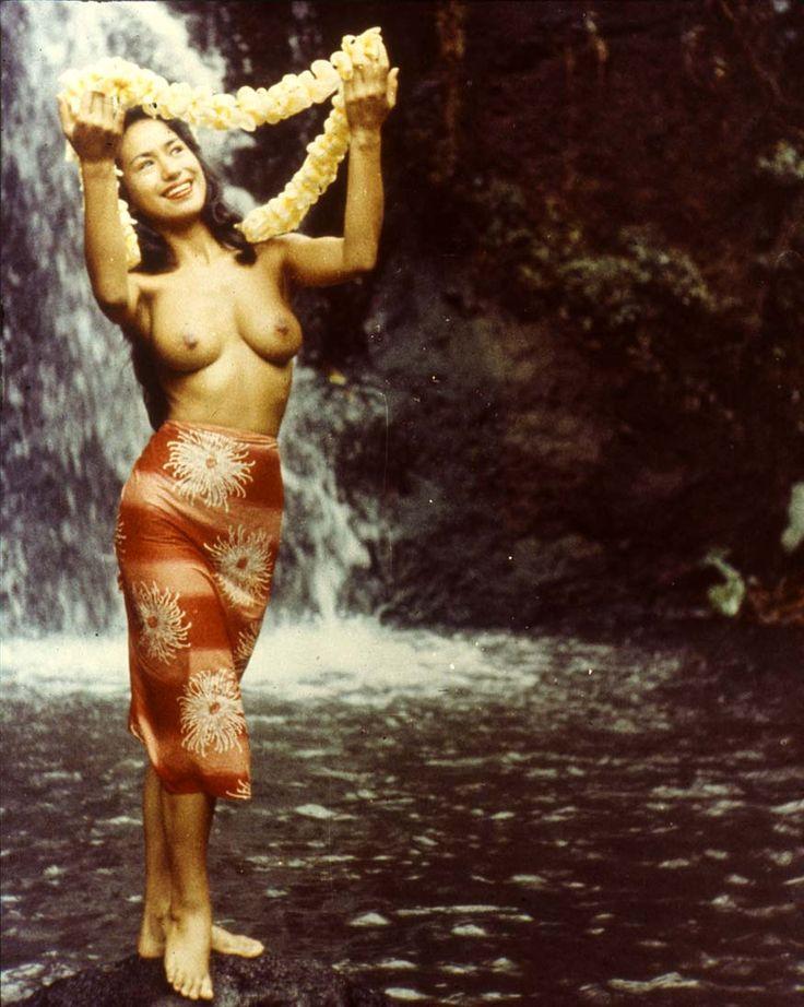 Video Nude Women Dance Hula Hula 26