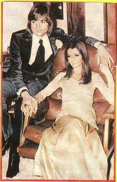 K--JUSTIN HAYWARD: UN GRAN POETA Y PROLIFICO COMPOSITOR; Justin and his wife Marie.