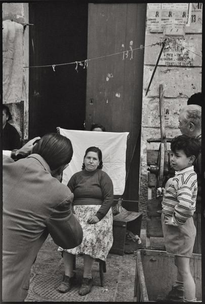Napoli, 1956 © Leonard Freed (Brooklyn, 23 ottobre 1929 – Garrison, 29 novembre 2006) - Magnum (Brigitte Freed)