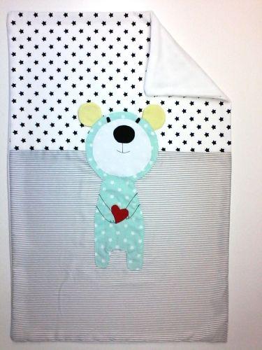 Handmade baby quilt, handcrafted, newborn, nursery decor Χειροποίητο Κουβερτάκι Αγκαλιας Ο κύριος Καρδουλης - Kokoko - Ατελιέ Χειροποίητων Παιδικών & Βρεφικών Ειδών από Ύφασμα - Ηράκλειο - Κρήτη