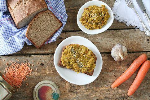 Luštěninová pomazánka je chuťově vynikající, navíc zdravá a vyhovuje i stravovacímu režimu například celiatiků