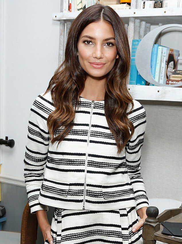 Read as Lily Aldridge talks about her natural lifestyle and healthy habits... #healthyliving #lilyaldridge #allnatural