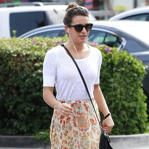 NEWS/ Glees Lea Michele Lands Book Deal for Brunette Ambition