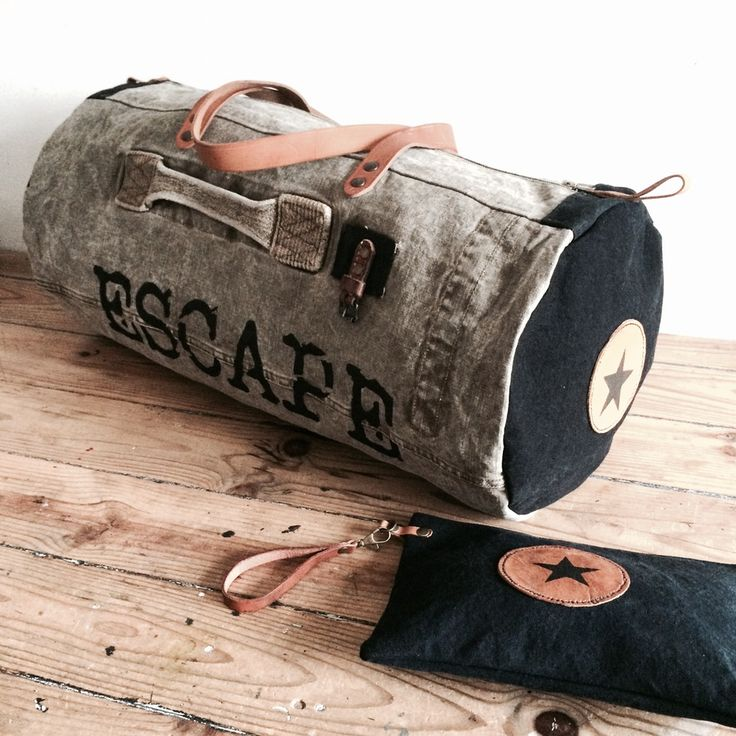 """Image of Ensemble sac de voyage """"Escape"""" et sa pochette à main (pièce unique)"""