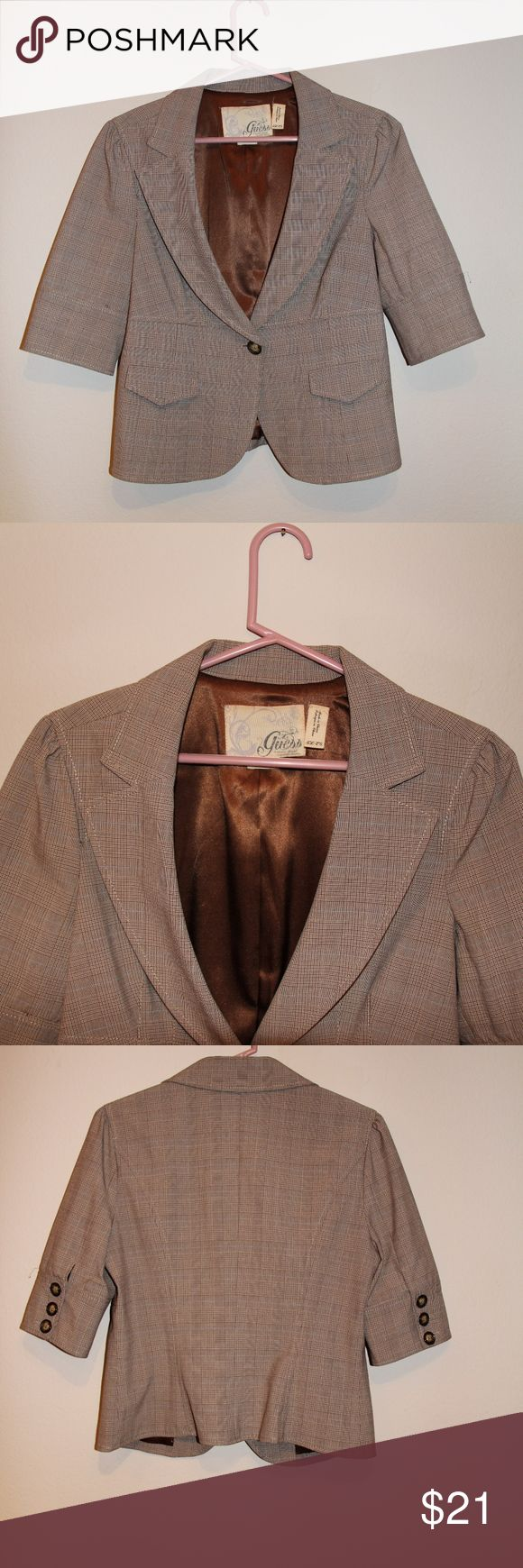 Guess Tan Jacket Blazer Women's Sz XL Guess Women's Tan Jacket Size XL Excellent condition with no marks, stains or rips of any kind. Jacket is in great condition and will be an wonderful addition to any woman closet. Guess Jackets & Coats Blazers