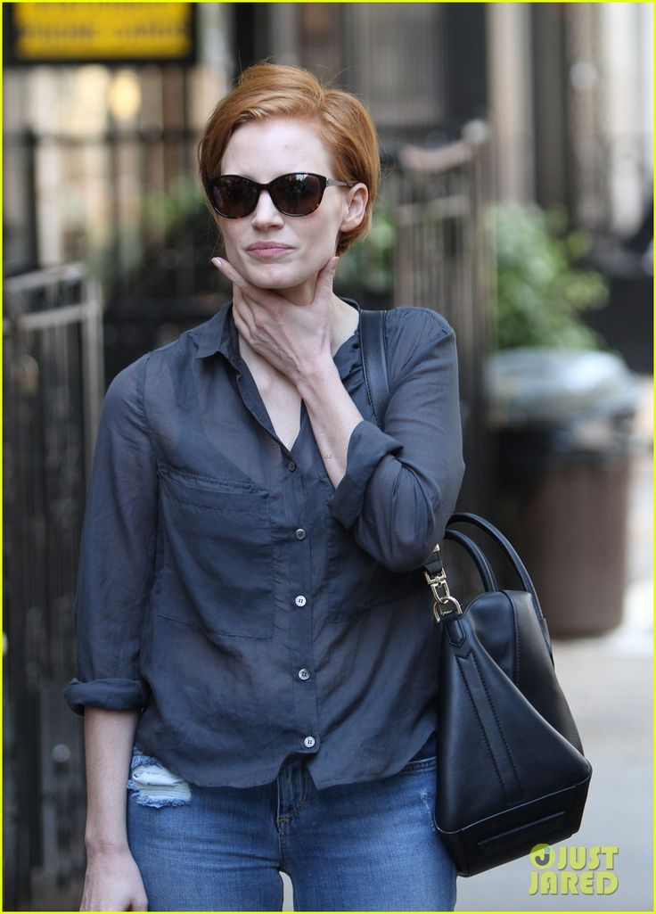 Jessica Chastain rocking the short hair