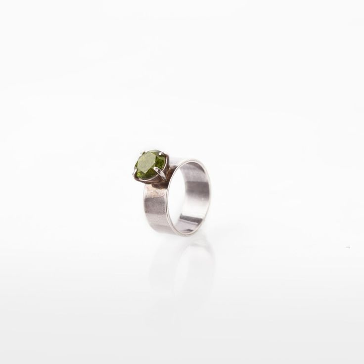 Silverring with green stone sommerdesign.dk