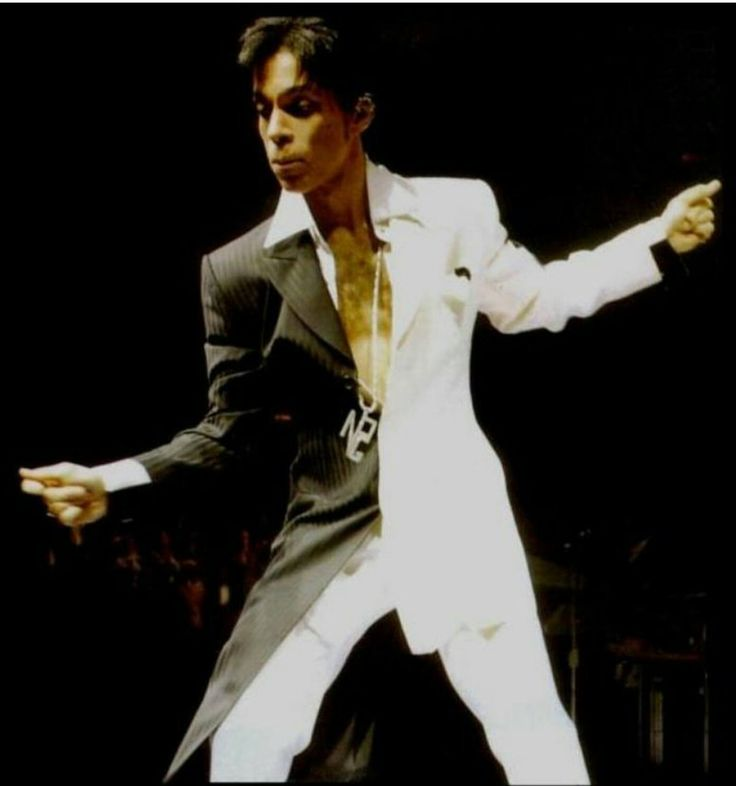Prince in Chicago 2011.