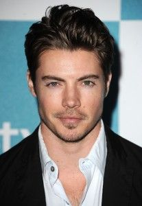 Hot Topic: Josh Henderson - ELLE