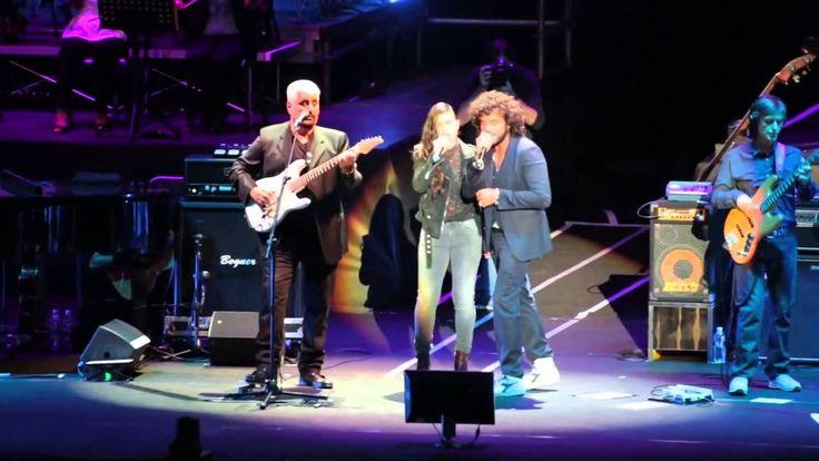 Un bel momento al concerto di Pino Daniele all'Arena di Verona con Elisa e Francesco Renga!
