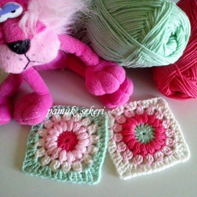 Hayırlı akşamlar canlarım. Yeni motif çalışması paylaşıyorum bu gece de :) Bu modelden battaniye siparişi alıyorum. ♥♥♥ #dekoratifyastık #kırlent #yastık #Bebek #Battaniyesi #pamukşekeri #deryabaykal #crochet #handmade #babyblanket #knitting #hediyelik #bebek #eşyaları #hediyelik #bebek #battaniyelerisatış #bebek #battaniyeleri #fiyatları #siparişalınır #yeşil #mavi #kırmızı #pembe #sarı #dizüstübattaniye