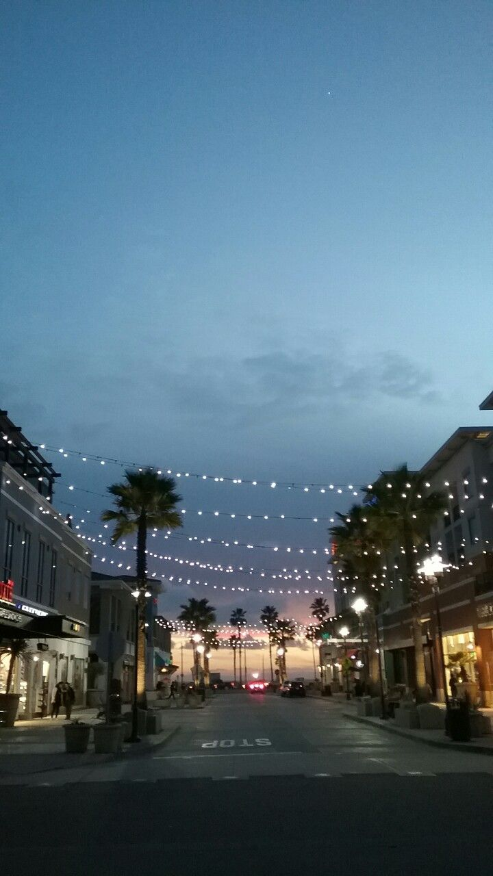 huntington beach girls Personal ads for huntington beach, ca are a great way to find a life partner, movie date, or a quick hookup personals are for people local to huntington beach, ca and are for ages 18+ of either sex.