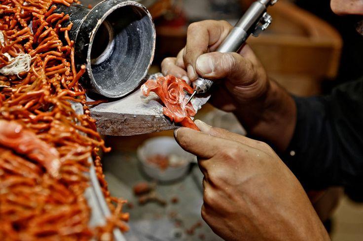 Torre del Greco - La lavorazione artistico/artigianale del  Corallo