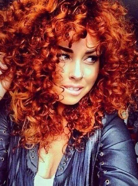 Capelli Ricci rame hair red