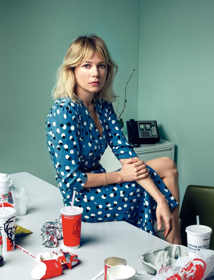"""Michelle Williams plays Una, who's now 27. """"The play is an undeniable piece of great writing,"""" she says. """"I've been acting since I was twelve, and it's thrilling to feel old bones stretch."""" Altuzarra dress."""