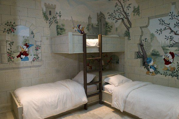 donald dunk bedroom with bunk bed