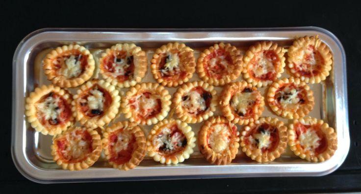 Another Good Moment - Des mini-pizza Regina pour l'apéritif.