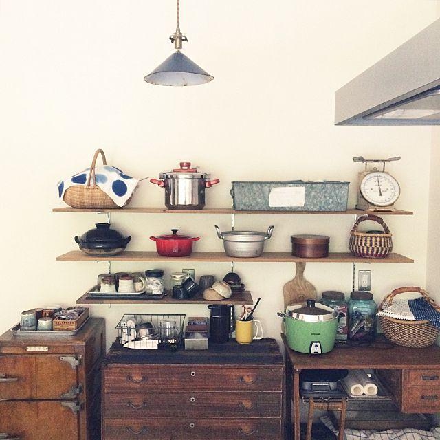 女性で、の模様替え/古家具/レトロ/ジャンク/平屋/キッチン…などについてのインテリア実例を紹介。「模様替え後のキッチンです。」(この写真は 2015-08-04 16:13:30 に共有されました)