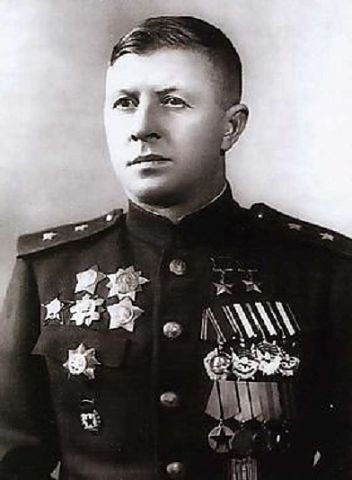 Дважды Герой Советского Союза Александр Ильич Родимцев