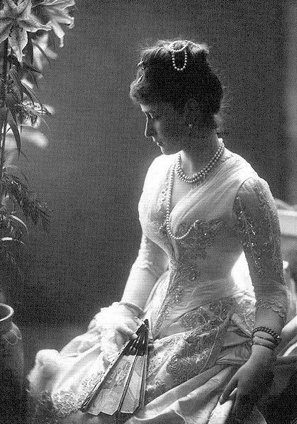 Princess Elisabeth of Hesse, c. 1884..look at that dress!!!!