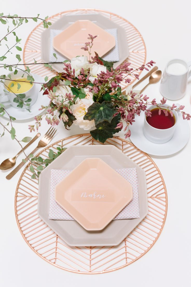 modern peach and copper tablescape  Photographer : Anna Wu Photography Read More on SMP: http://www.stylemepretty.com/living/2016/10/03/tea-time-just-got-a-whole-lot-cooler/