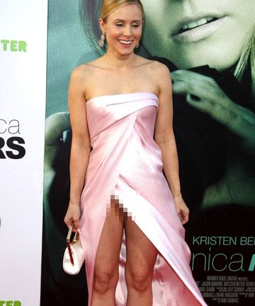 Tiny girlies fisting herself