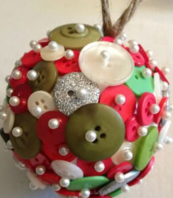 Handmade Christmas Decorations - Button Bauble - Click pic for 25 DIY Christmas Crafts