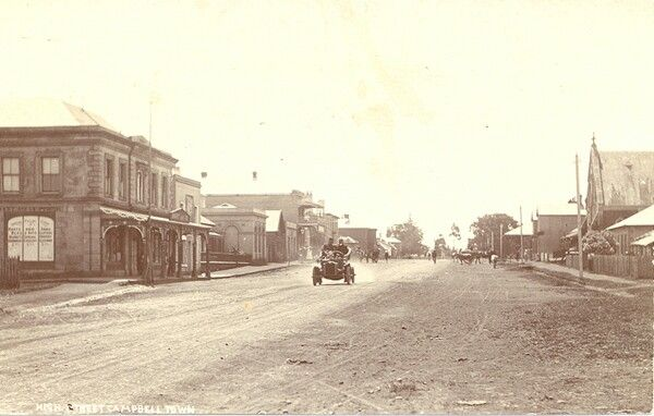 Campbelltown in the early years.A♥W