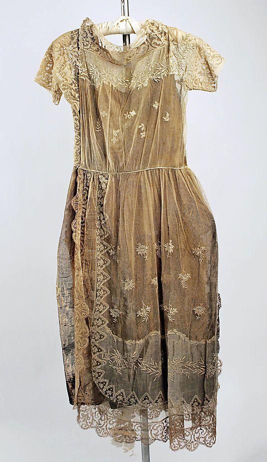 Evening ensemble Boué Soeurs  (French)  Date: 1918–20 Culture: French Medium: cotton, silk, metallic. Back