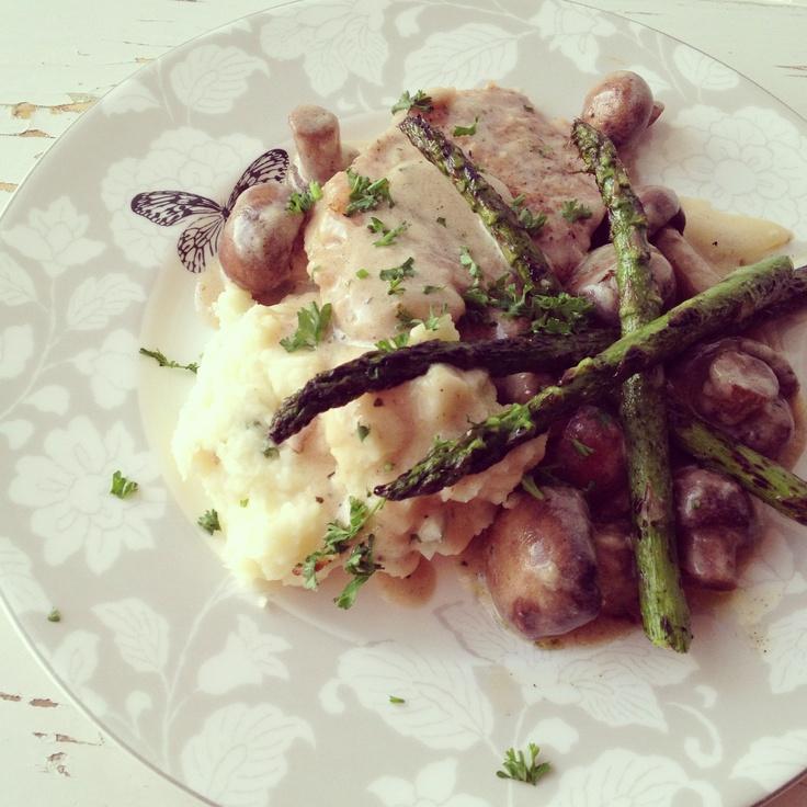 asparagus sirloin steak with roasted potatoes and asparagus sirloin ...