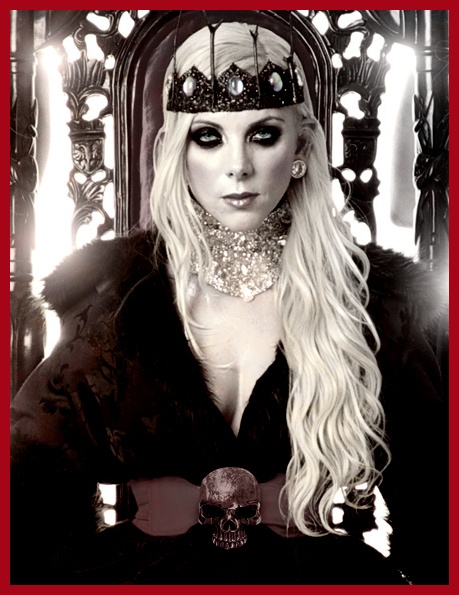 I know this is Maria Brink of In This Moment, but I just loved the styling of this outfit, so it's going here instead of in my music board. :)